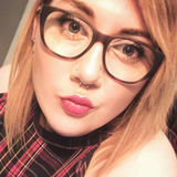 Laura from Glasgow | Woman | 28 years old | Scorpio