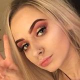 Pamela from Minneapolis | Woman | 28 years old | Taurus