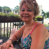 Kat from Elmhurst | Woman | 64 years old | Leo