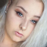 Kay from Fairchild | Woman | 21 years old | Gemini