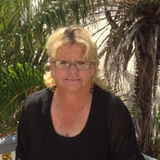 Bel from Mackay | Woman | 57 years old | Leo