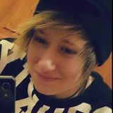 Neszko from Darmstadt | Woman | 31 years old | Aries