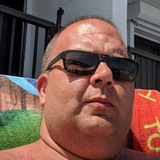 Beachbum from Elyria | Man | 44 years old | Cancer