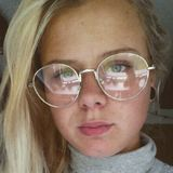 Lara from Wuppertal | Woman | 22 years old | Taurus