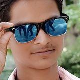 Karan from Noida   Man   22 years old   Aquarius