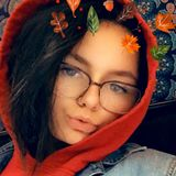 Molly from Milwaukee   Woman   21 years old   Capricorn