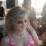 Edwina from Loveland   Woman   46 years old   Taurus