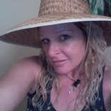 Gloria from Danbury | Woman | 36 years old | Pisces