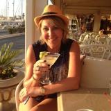 Yh from Dubai | Woman | 52 years old | Gemini