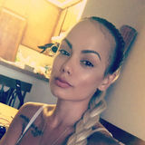 Kingbaby from Woodland Hills | Woman | 32 years old | Pisces